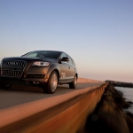 thumbs 2013 audi q7 04 Audi Q7 Wins ALG Residual Value Award