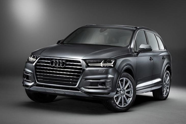 2017 Audi Q7 SUV Front Angle