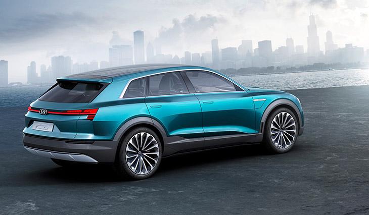 2015 Audi e-tron Quattro Concept Rear Angle