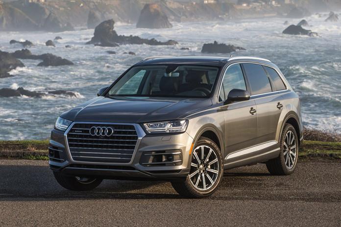 2017 Audi Q7 Front Angle IIHS